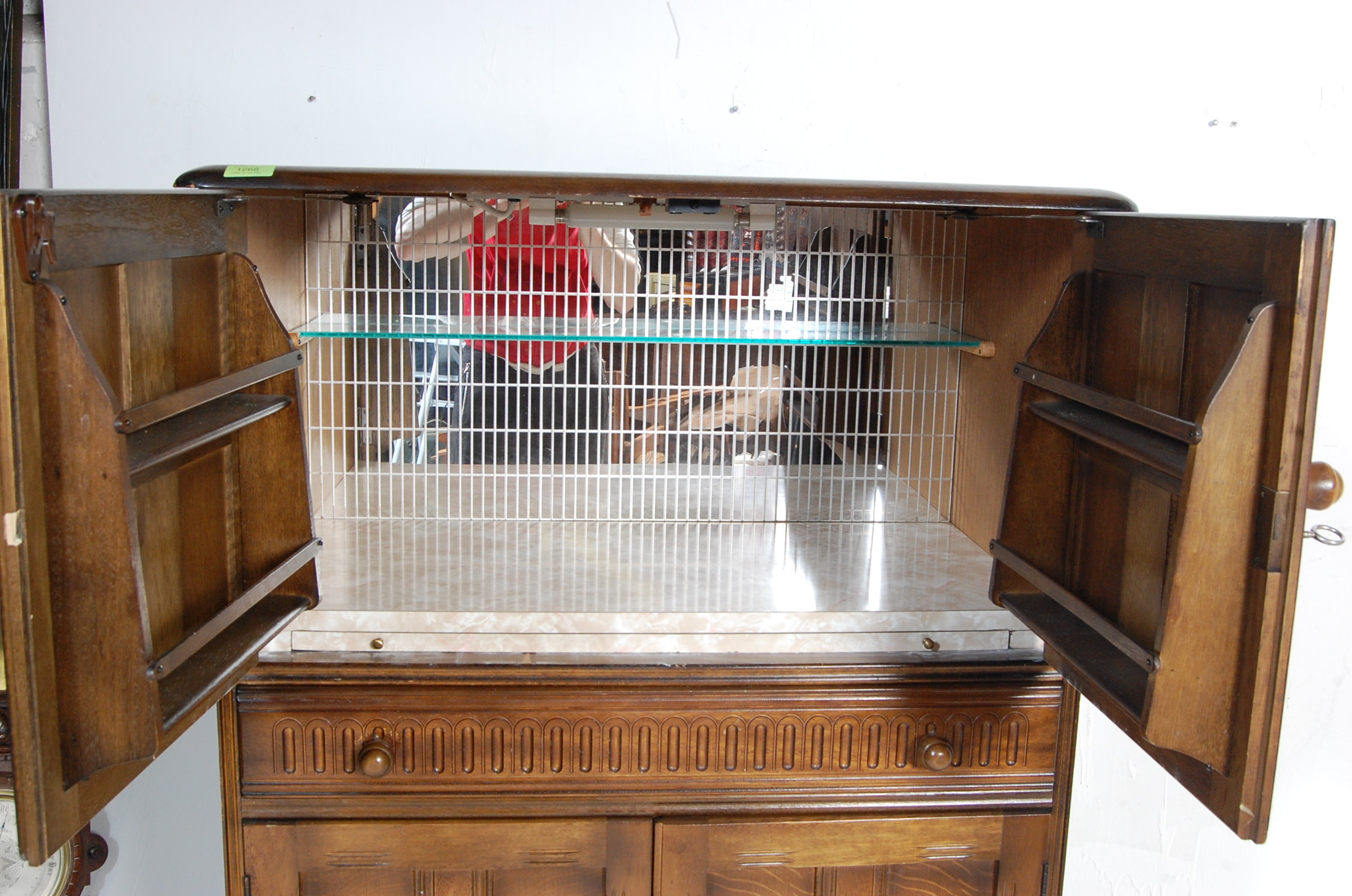MID CENTURY OAK COCKTAIL CABINET - Image 4 of 6