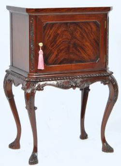 Online Retro Vintage & Antique Furniture Auction - Worldwide Postage, Packing & Delivery Available On All Items