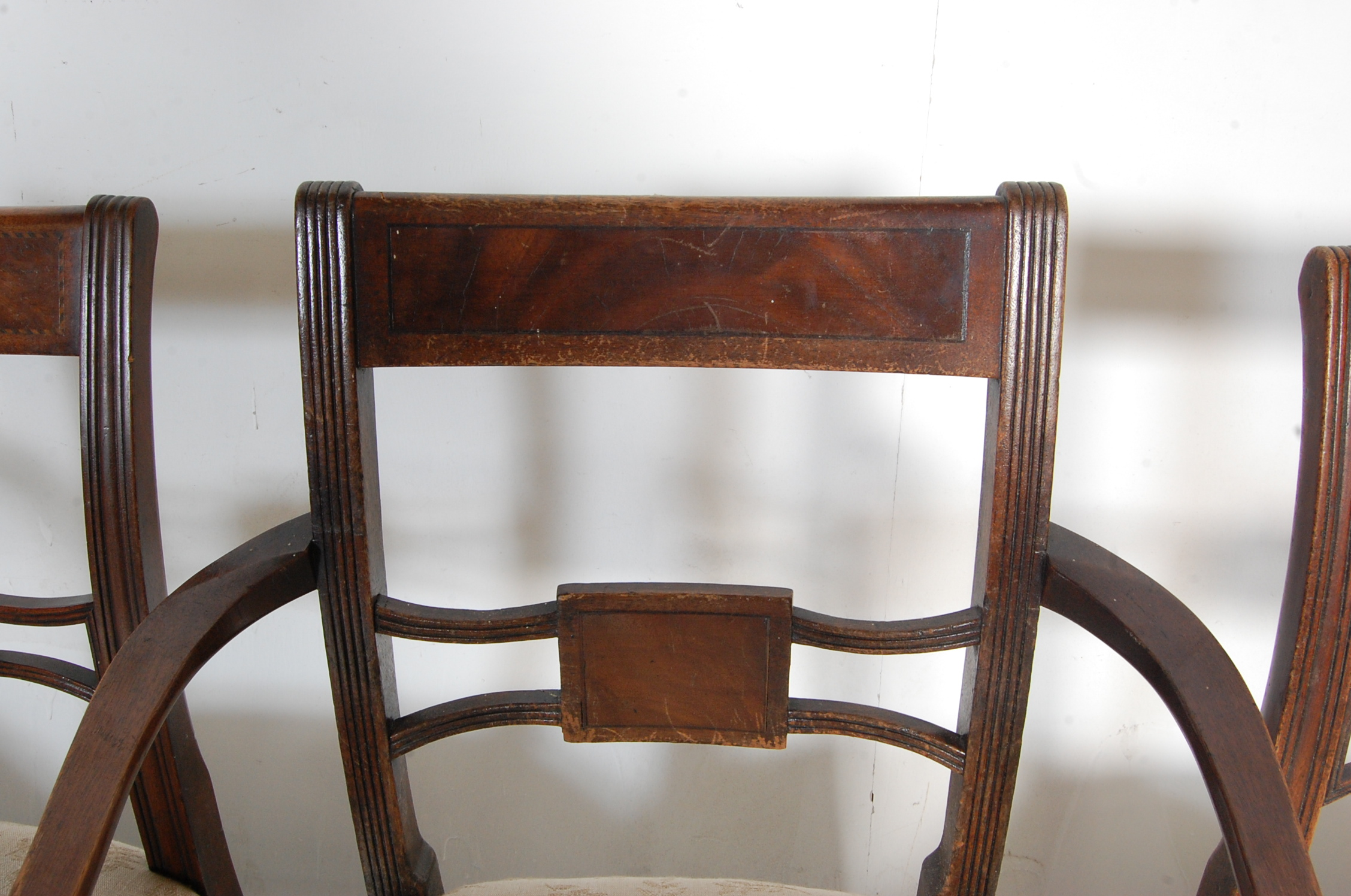 AN ANTIQUE EDWARDIAN REGENCY REVIVAL HARLEQUIN SET OF SIX CHAIRS - Image 5 of 7