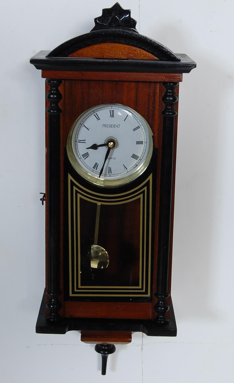 COLLECTION OF FOUR VINTAGE 20TH CENTURY WALL HANGING CLOCKS - Image 7 of 8