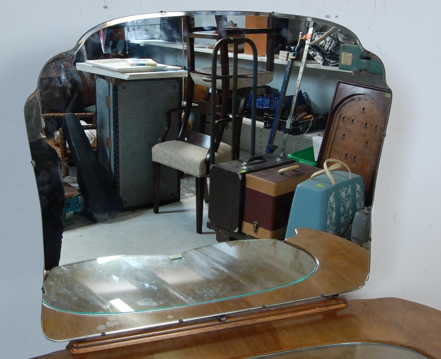 1950'S ART DECO STYLE WALNUT DRESSING TABLE - Image 2 of 5