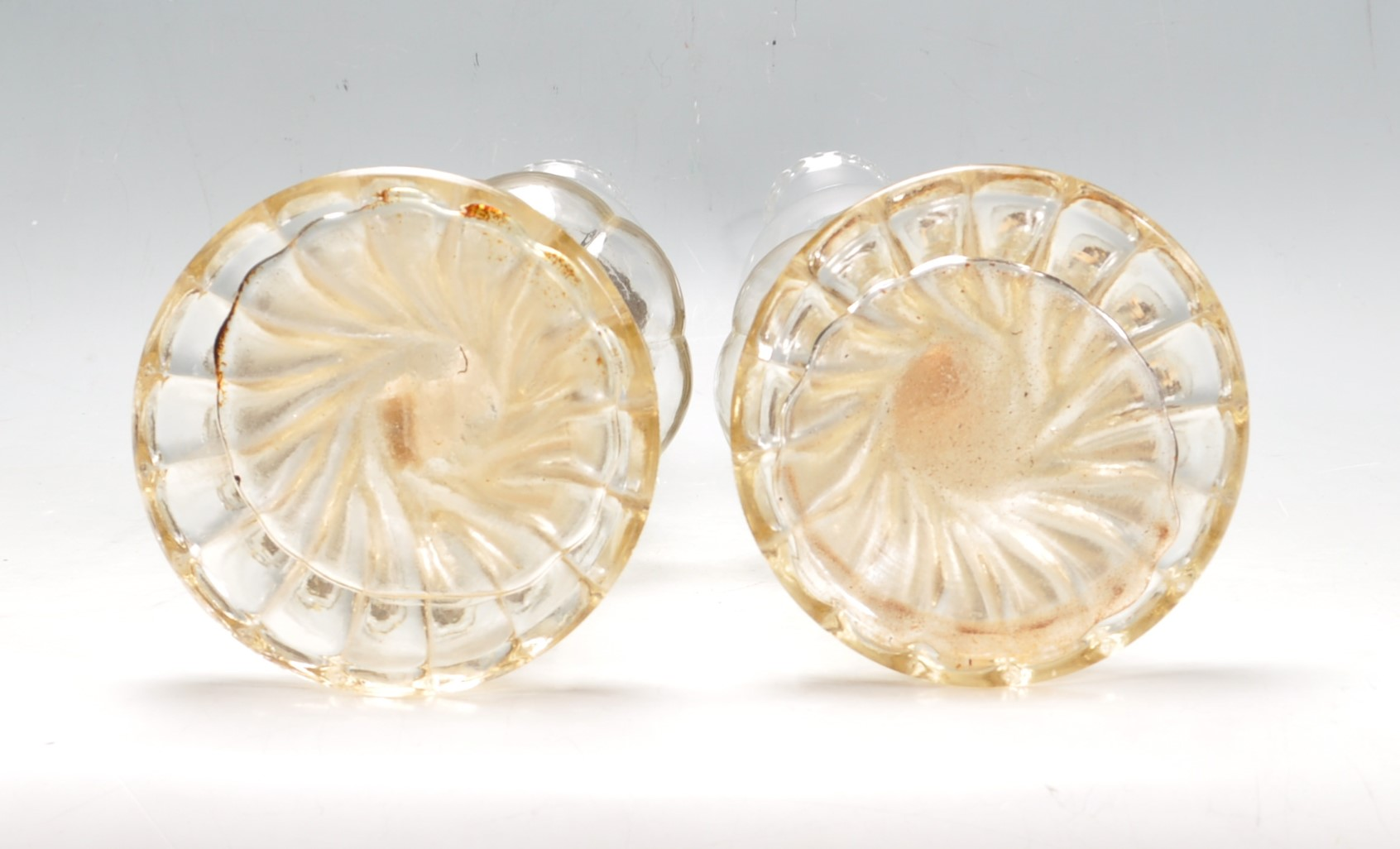 PAIR OF EARLY 20TH CENTURY 1930S ART DECO ERA GLASS OIL LAMPS - Image 3 of 4