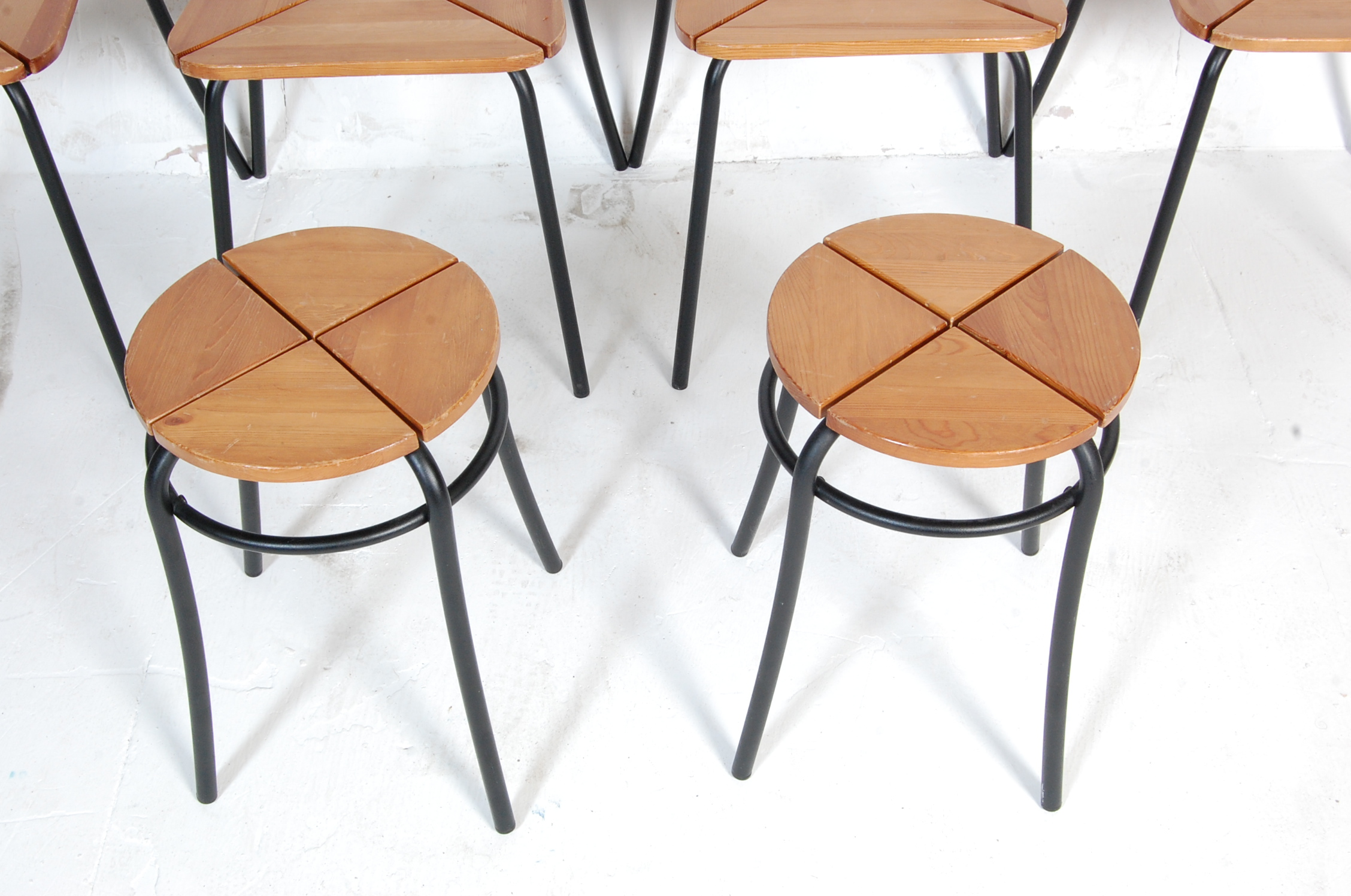 SET OF FOUR CONTEMPORARY INDUSTRIAL DINING CHAIRS - Image 5 of 7