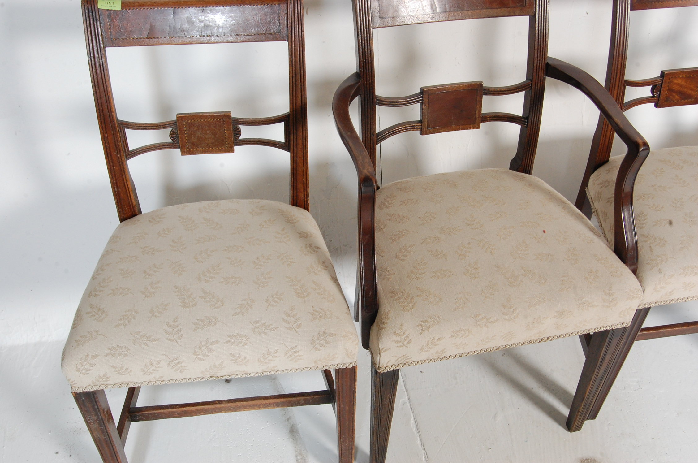 AN ANTIQUE EDWARDIAN REGENCY REVIVAL HARLEQUIN SET OF SIX CHAIRS - Image 3 of 7