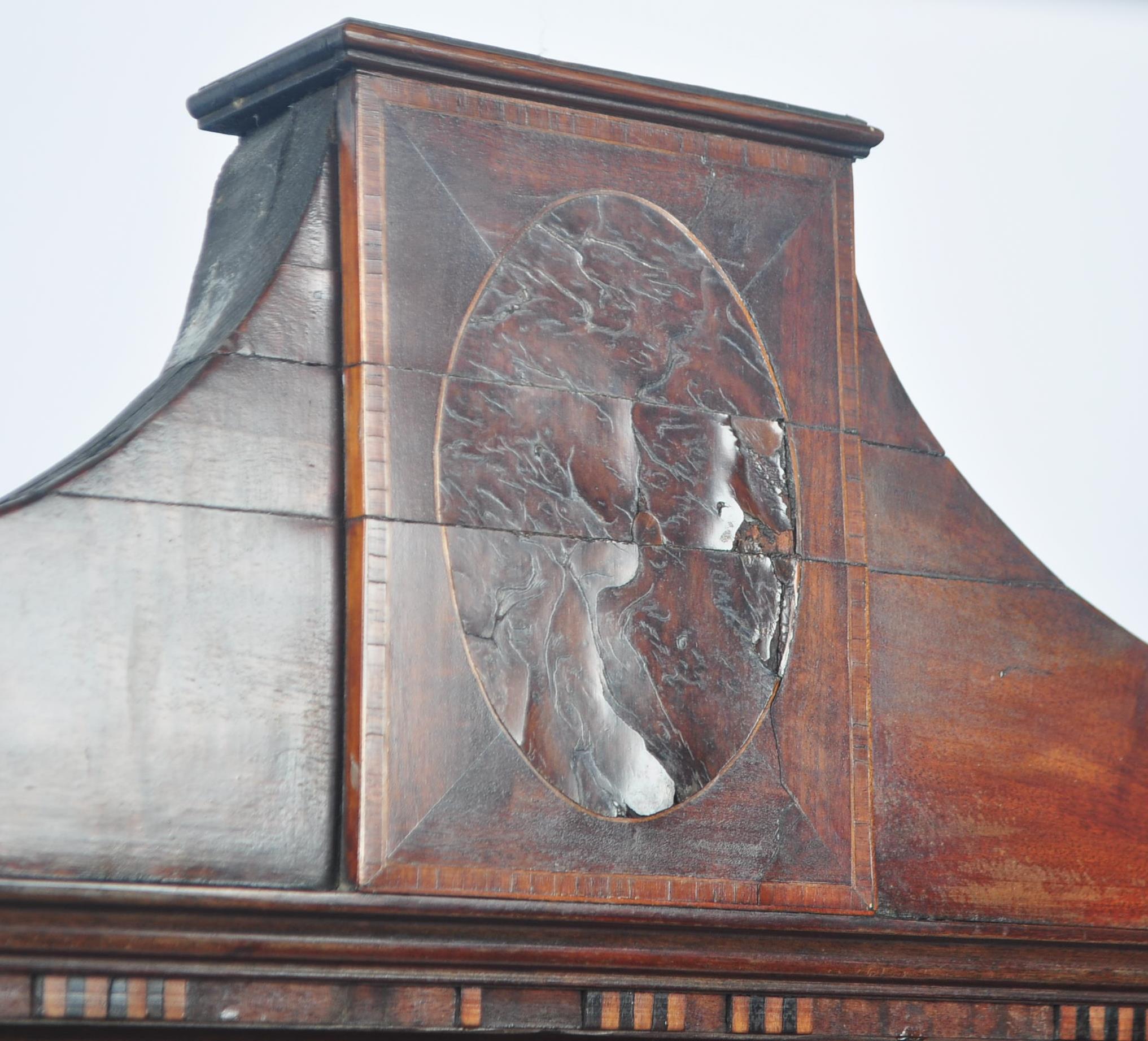 19TH CENTURY MAHOGANY & SATINWOOD DISPLAY CABINET VITRINE - Image 3 of 5