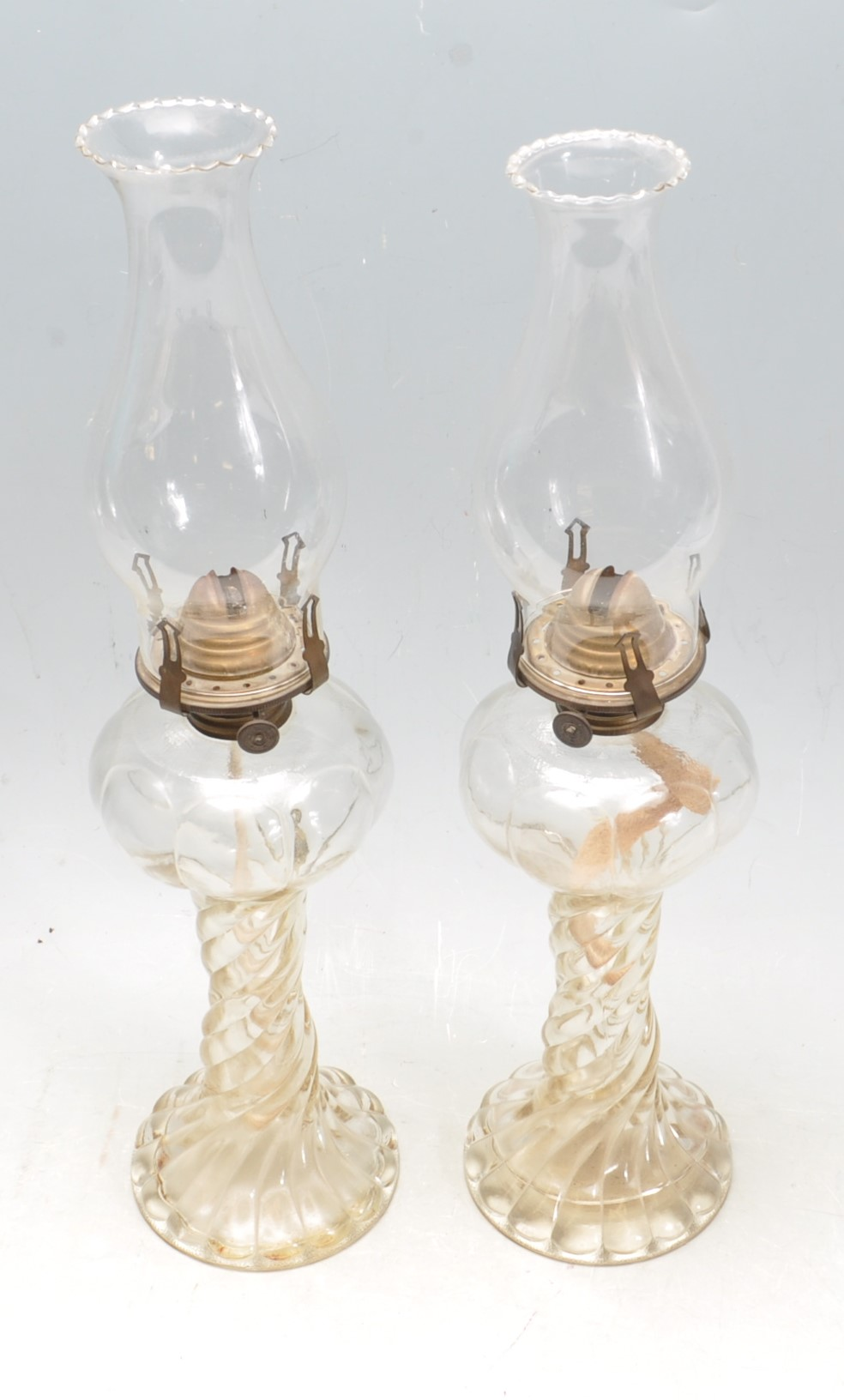 PAIR OF EARLY 20TH CENTURY 1930S ART DECO ERA GLASS OIL LAMPS - Image 2 of 4