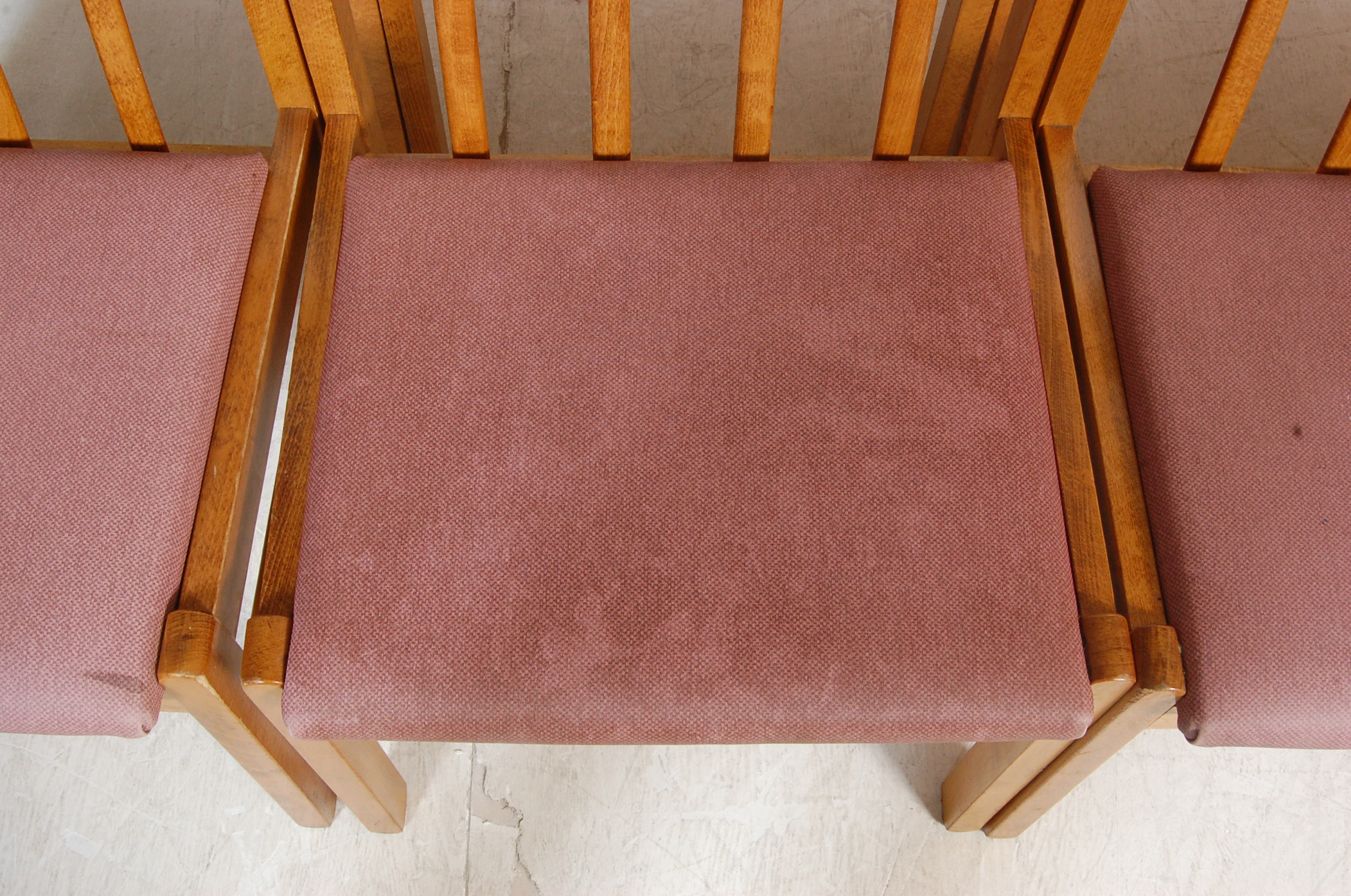 EIGHT VINTAGE GOLDEN OAK DINING CHAIRS - Image 4 of 8