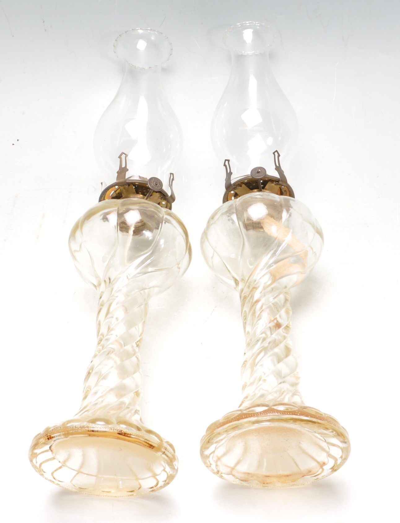 PAIR OF EARLY 20TH CENTURY 1930S ART DECO ERA GLASS OIL LAMPS - Image 4 of 4