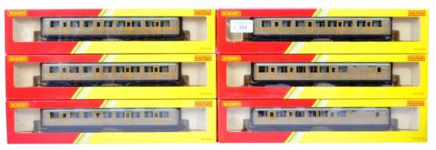 RAKE OF X6 HORNBY 00 GAUGE MODEL RAILWAY LNER CARRIAGES