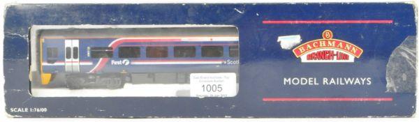 BACHMANN BRANCH LINE 00 GAUGE 31-500Z LOCOMOTIVE TWO CAR PACK