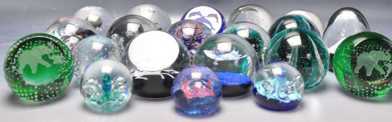 COLLECTION OF 20TH CENTURY CAITHNESS GLASS PAPERWEIGHTS.