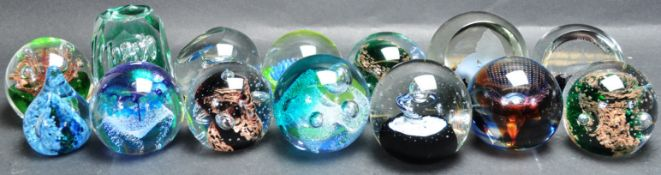 COLLECTION OF 20TH CENTURY CAITHNESS PAPERWEIGHTS.
