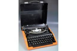 RETRO VINTAGE 1960S TYPEWRITER