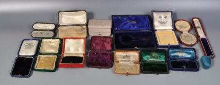 GROUP OF VICTORIAN AND LATER JEWELLERY BOXES