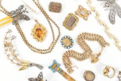 Selected Jewellery, Gold, Silver, Gemstones & Mineral Specimens