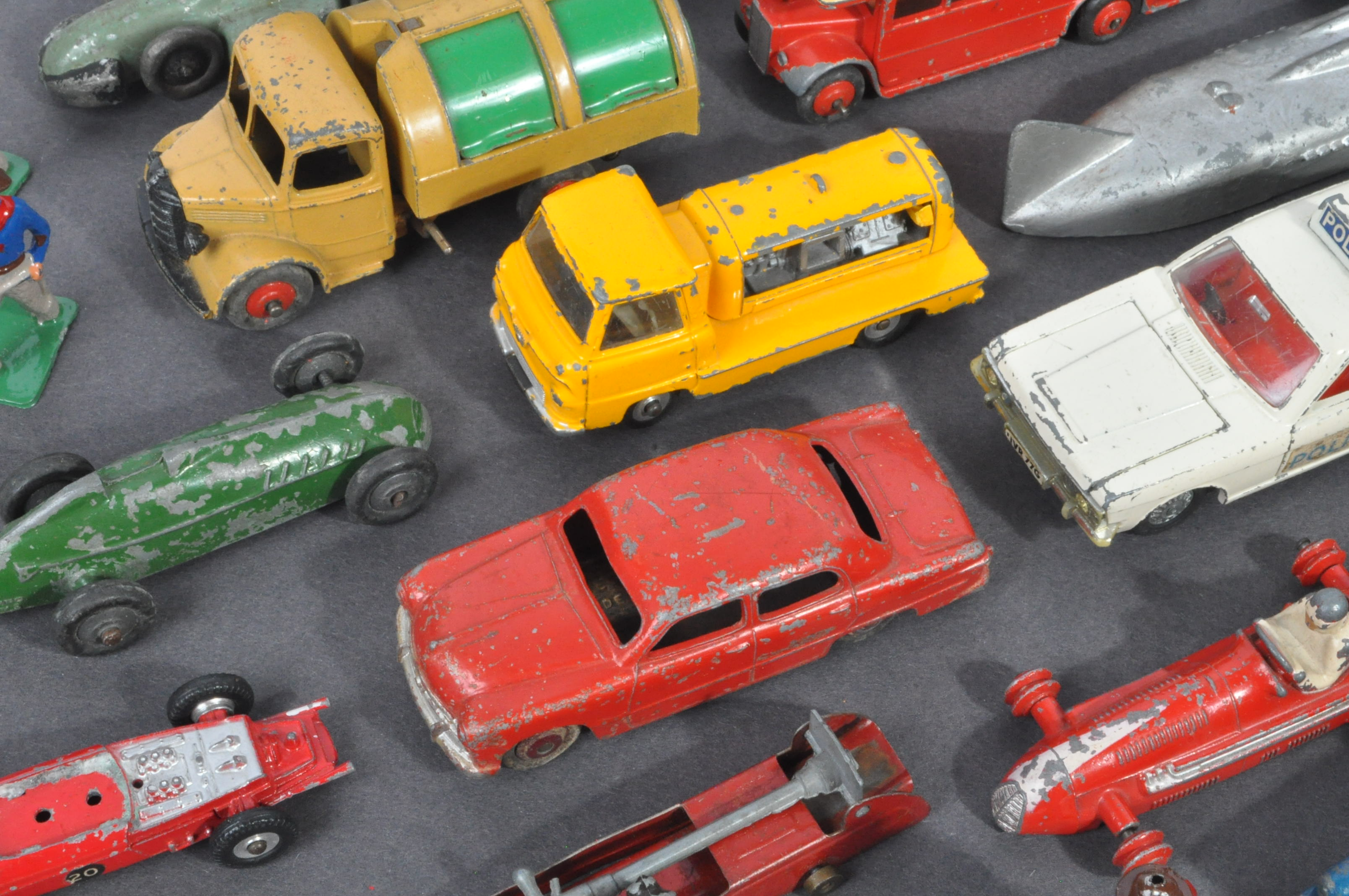 LARGE COLLECTION OF DINKY & OTHER DIECAST MODELS - Image 6 of 6