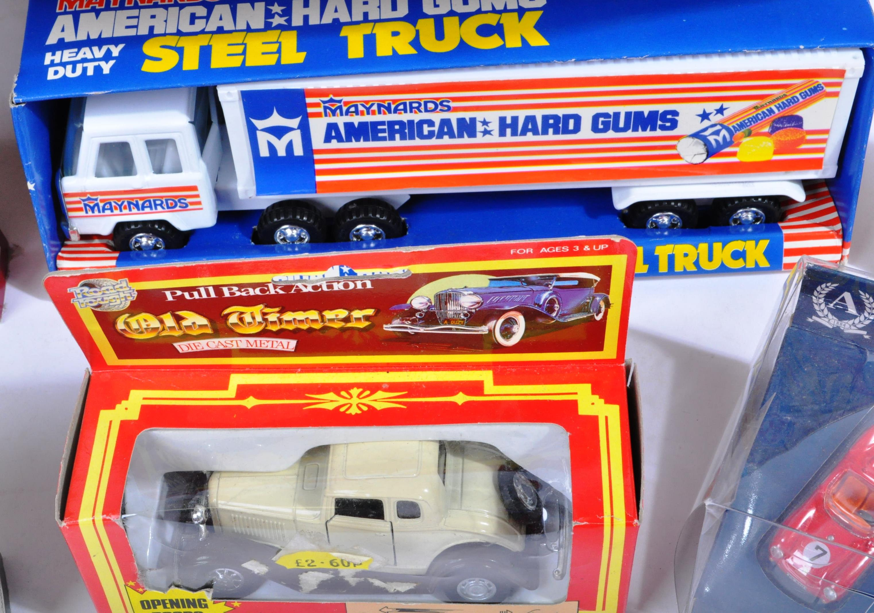 LARGE COLLECTION OF ASSORTED BOXED DIECAST MODEL CARS - Image 3 of 7