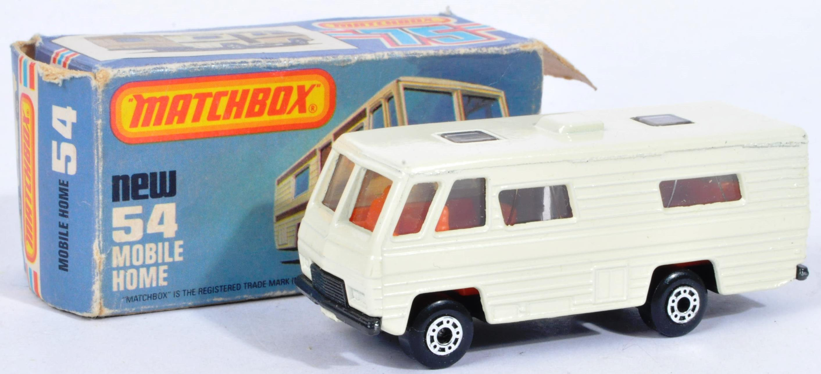 LARGE COLLECTION OF LESNEY MATCHBOX DIECAST MODELS - Image 5 of 8