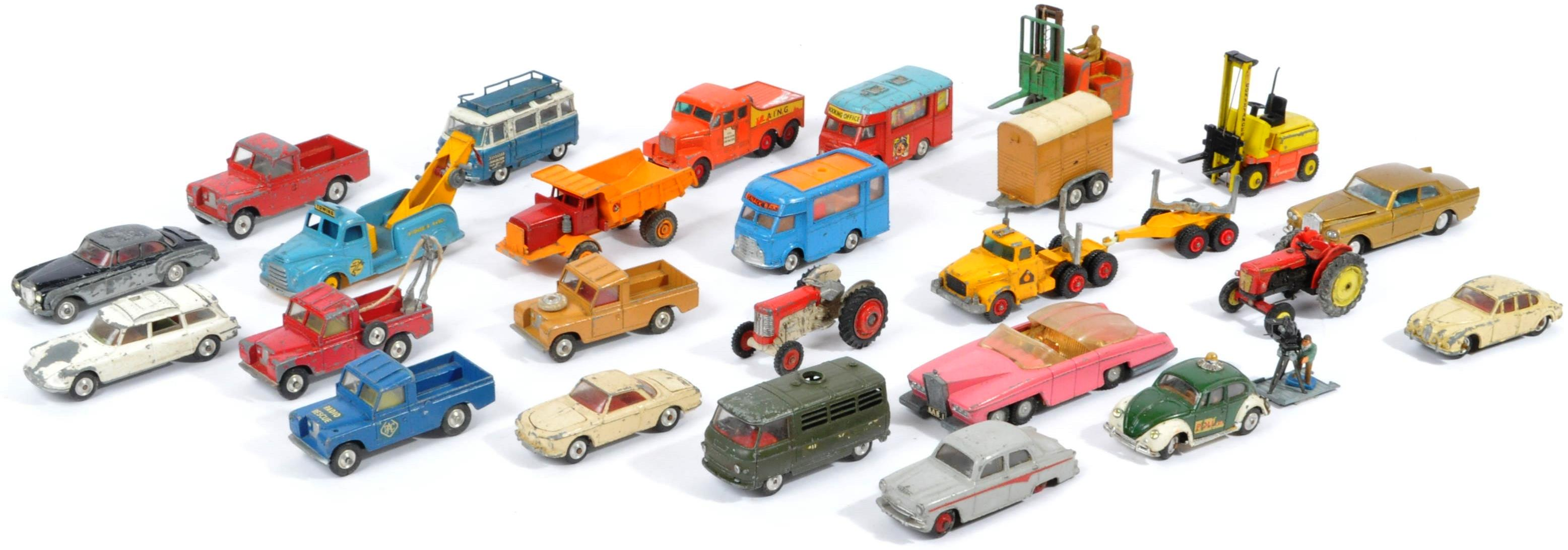 COLLECTION OF VINTAGE CORGI & DINKY TOYS DIECAST MODELS