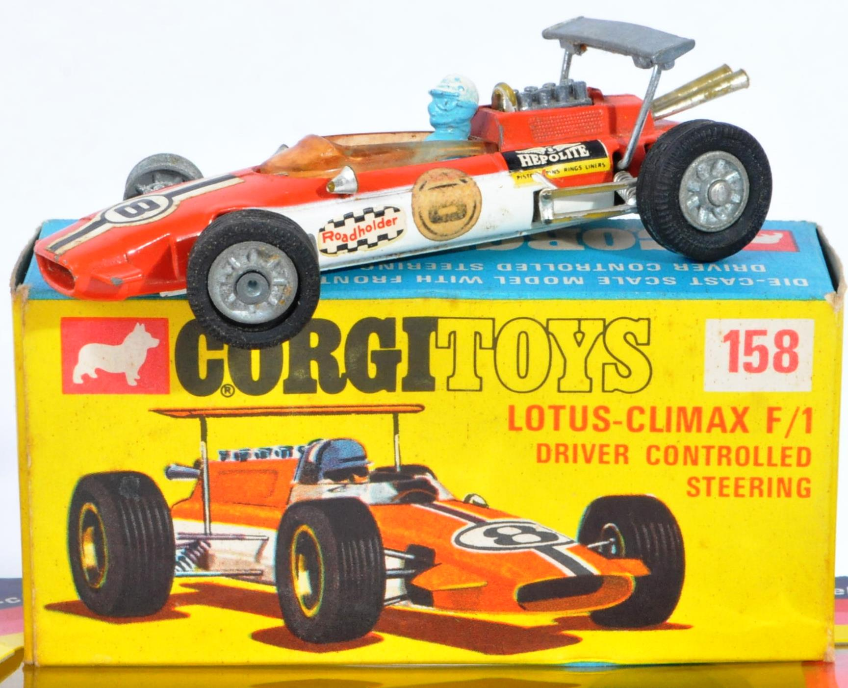 COLLECTION OF ASSORTED VINTAGE CORGI MADE DIECAST MODELS - Image 4 of 6