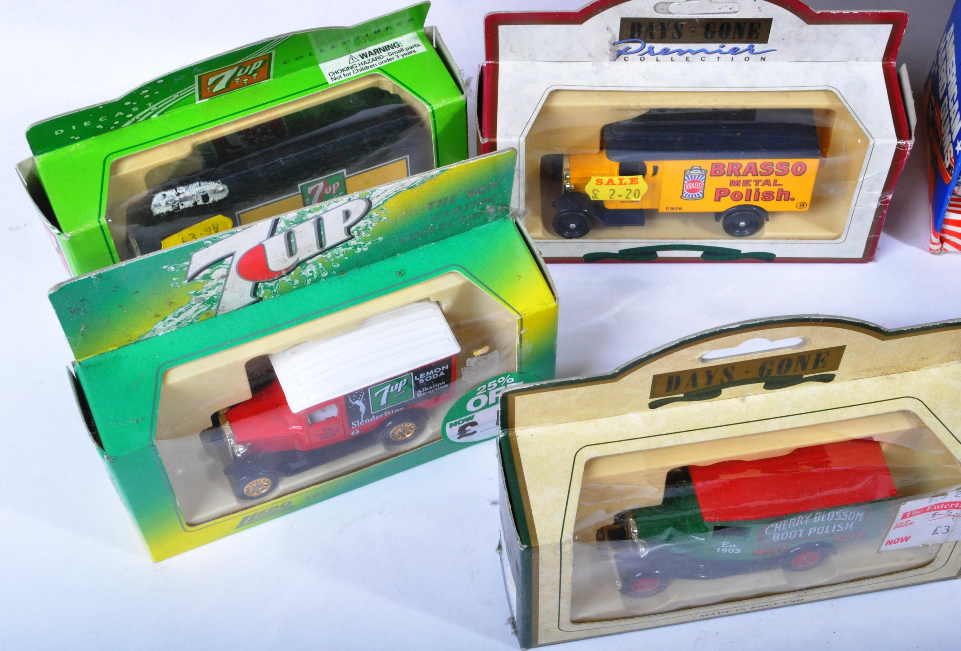 LARGE COLLECTION OF ASSORTED BOXED DIECAST MODEL CARS - Image 2 of 7