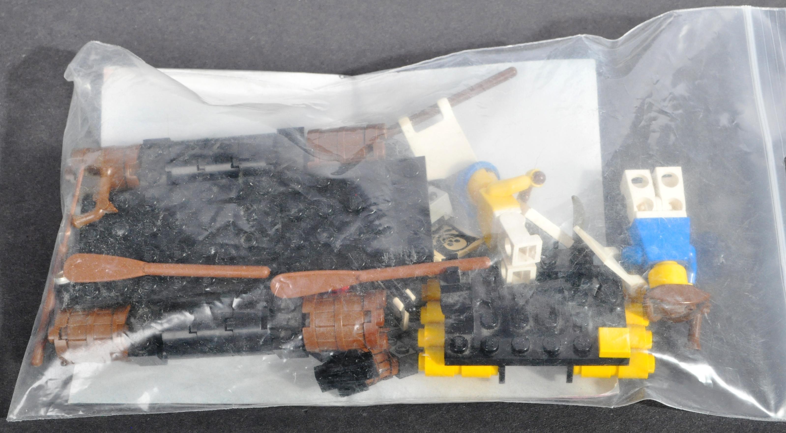 LEGO SETS - LEGO LAND - 6054 / 6245 / 6257 - Image 3 of 4