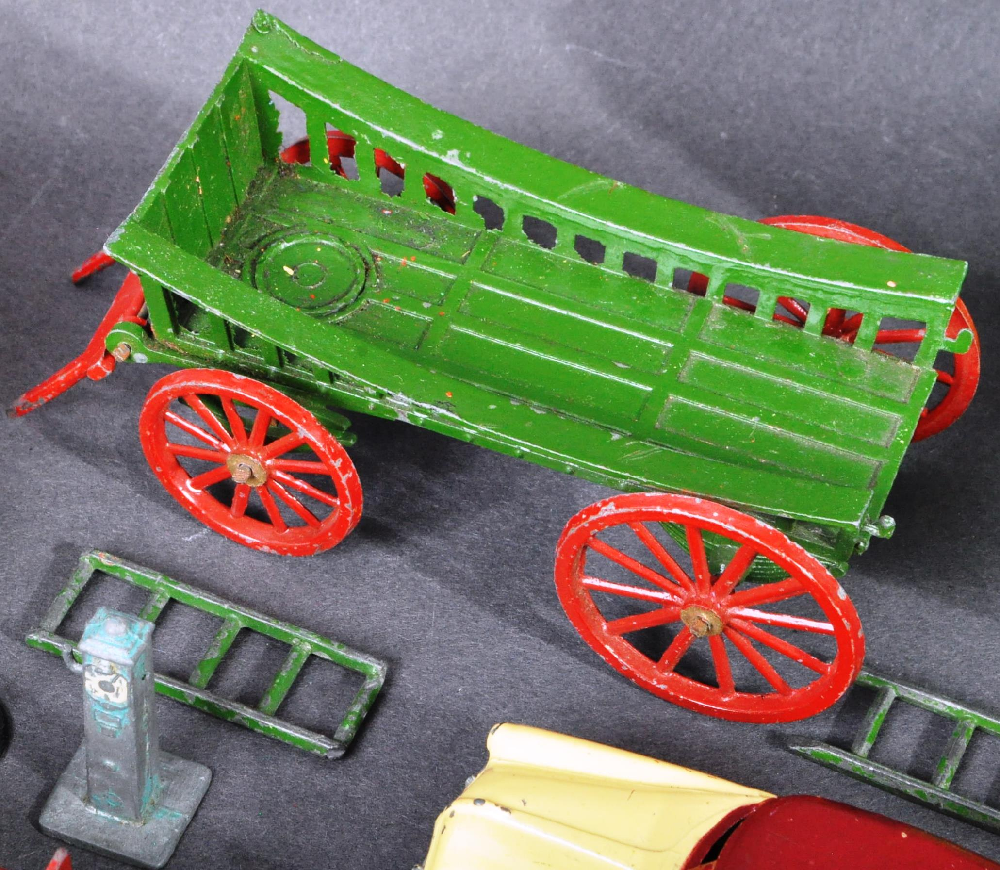 DIECAST - COLLECTION OF ASSORTED ANTIQUE / VINTAGE DIECAST - Image 4 of 9
