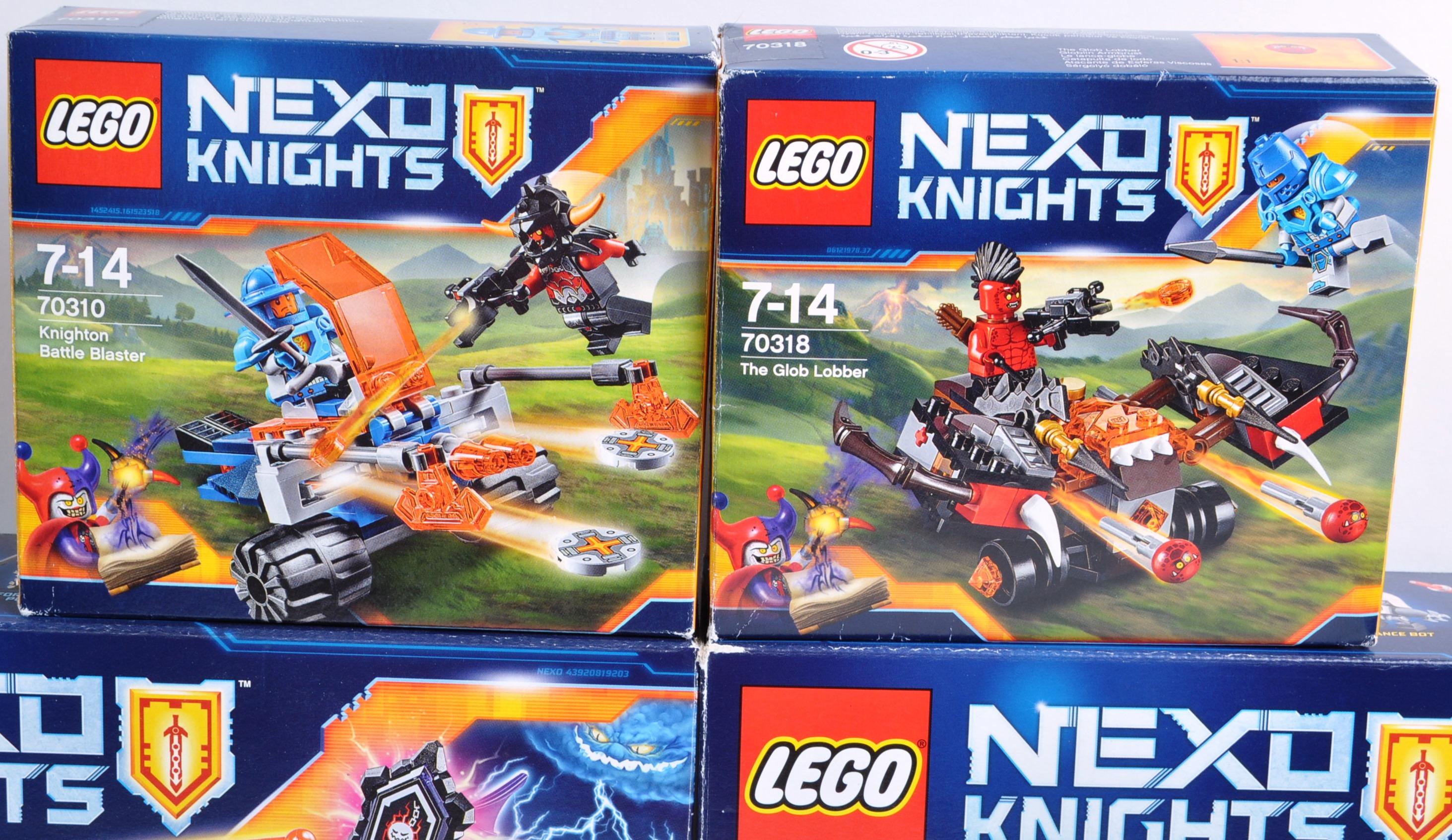 LEGO SETS - LEGO NEXO KNIGHTS - Image 4 of 6