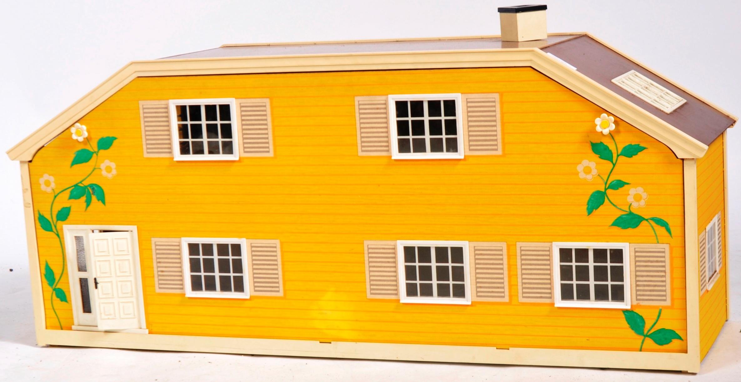 LARGE VINTAGE 1970S LUNDBY OF SWEDEN CHILD'S DOLLS HOUSE