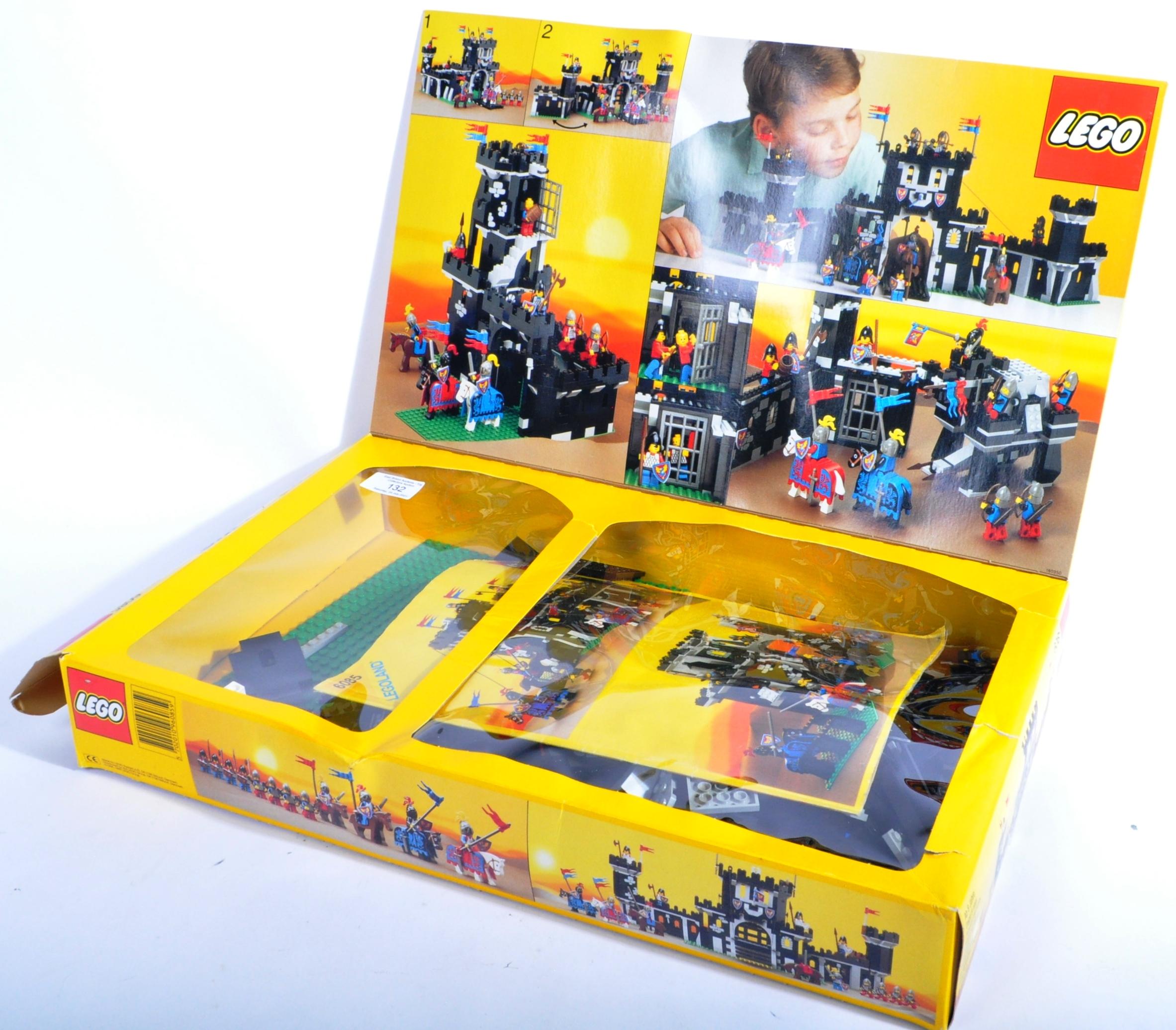 LEGO SET - LEGO LAND - 6085 - BLACK MONARCH'S CASTLE - Image 3 of 4