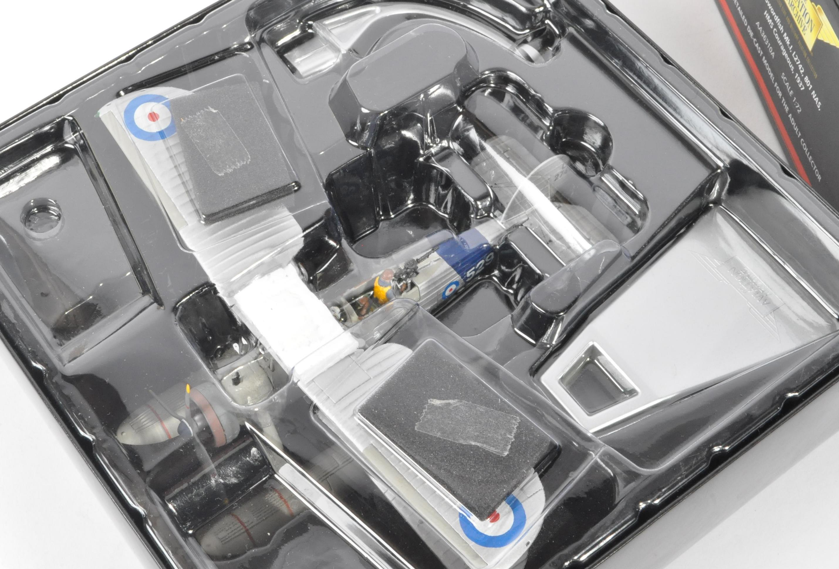 CORGI AVIATION ARCHIVE - AA36310A BOXED DIECAST MODEL PLANE - Image 3 of 4