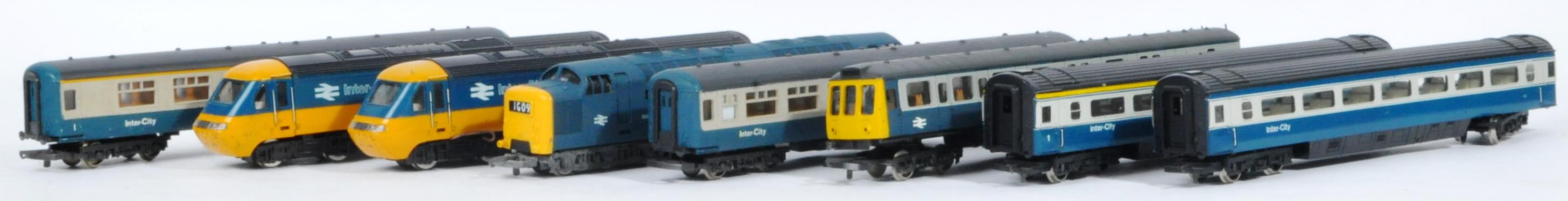 COLLECTION OF ASSORTED DIESEL 00 GAUGE TRAINSET LOCOMOTIVES & CARRIAGES - Image 2 of 10