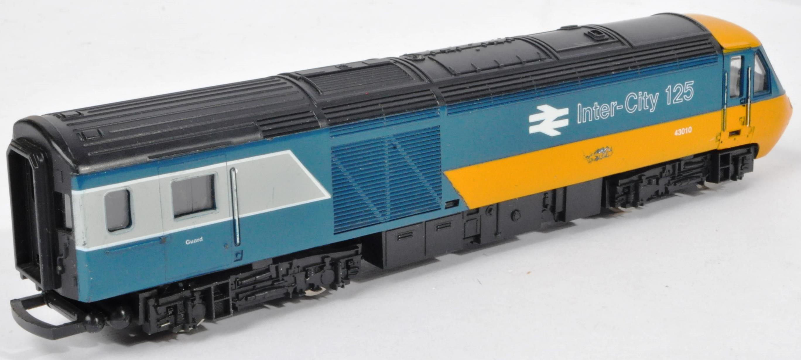 COLLECTION OF ASSORTED DIESEL 00 GAUGE TRAINSET LOCOMOTIVES & CARRIAGES - Image 6 of 10