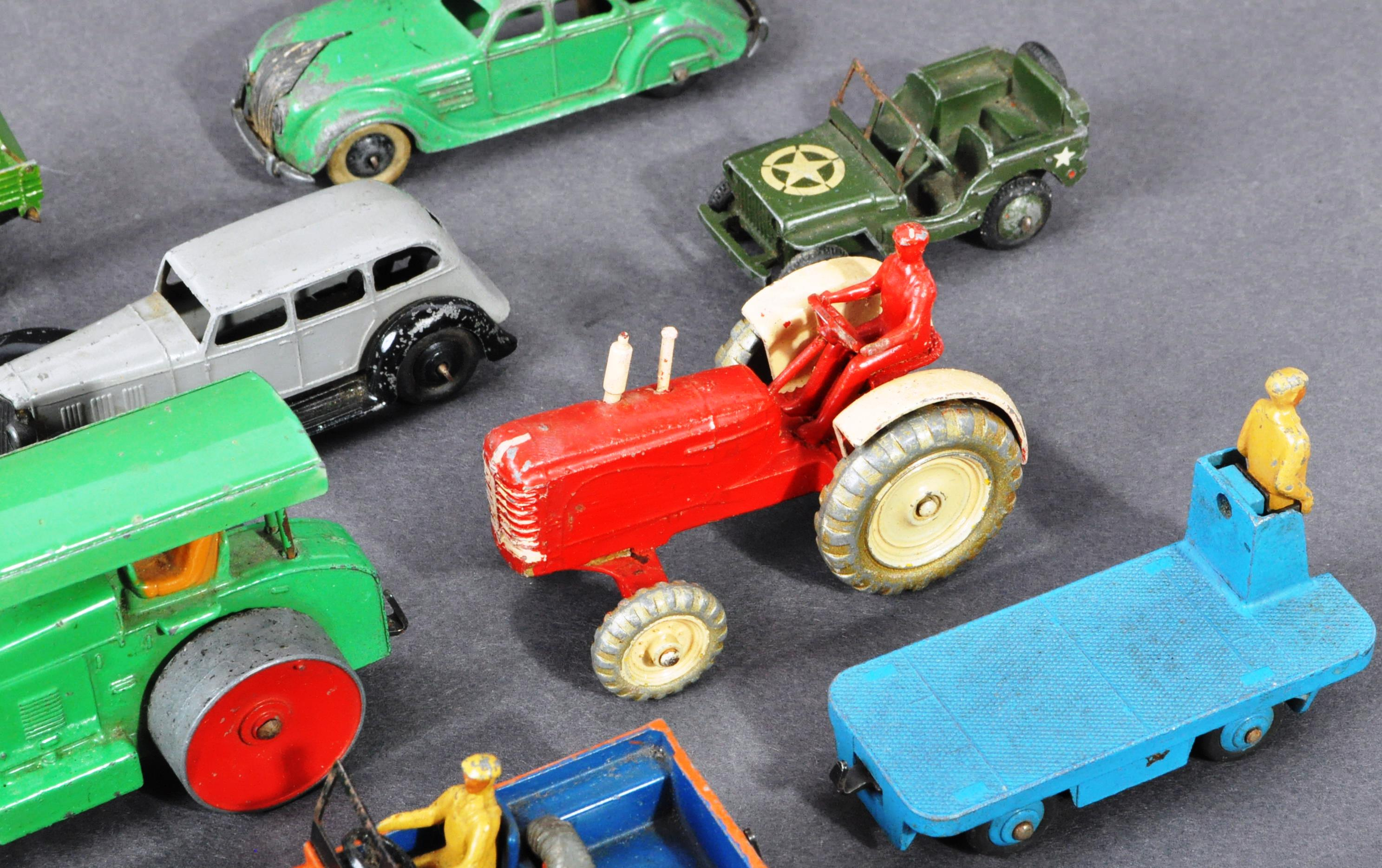 COLLECTION OF ORIGINAL VINTAGE DINKY TOYS DIECAST MODELS - Image 4 of 6