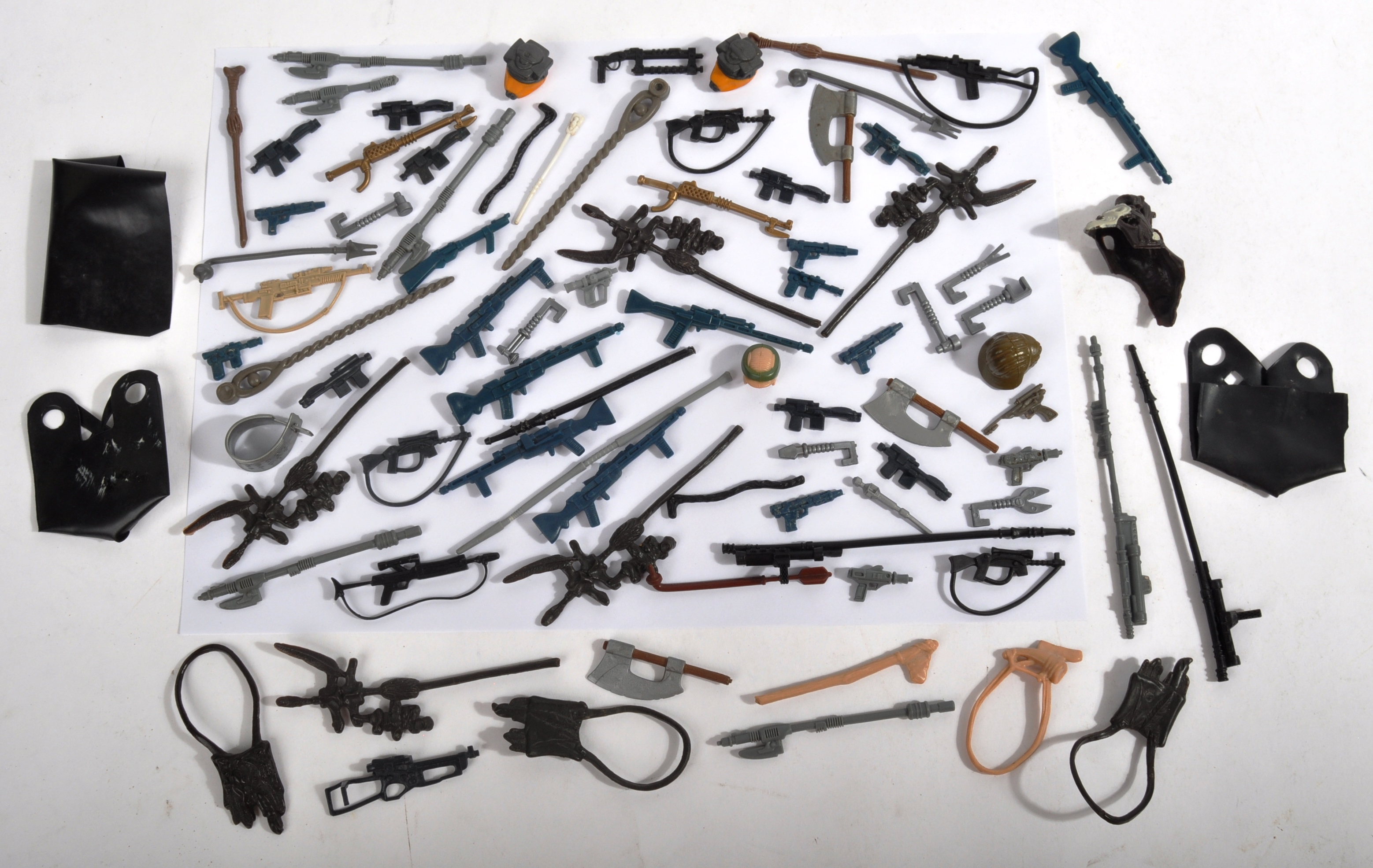 STAR WARS - LARGE COLLECTION OF ORIGINAL VINTAGE WEAPONS & ACCESSORIES.