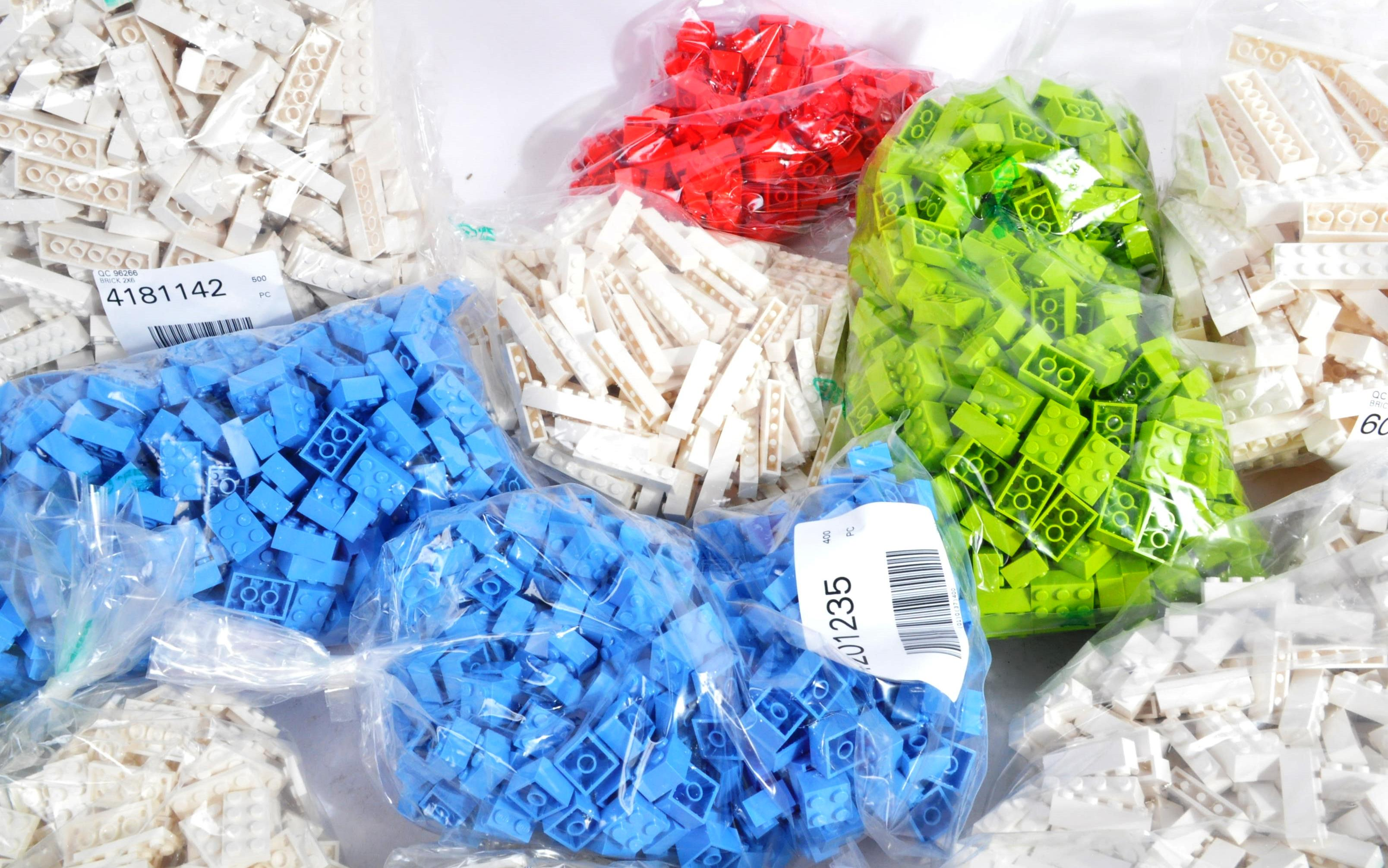 LEGO - LARGE COLLECTION OF BRAND NEW LEGO BUILDING BLOCKS - Image 4 of 6