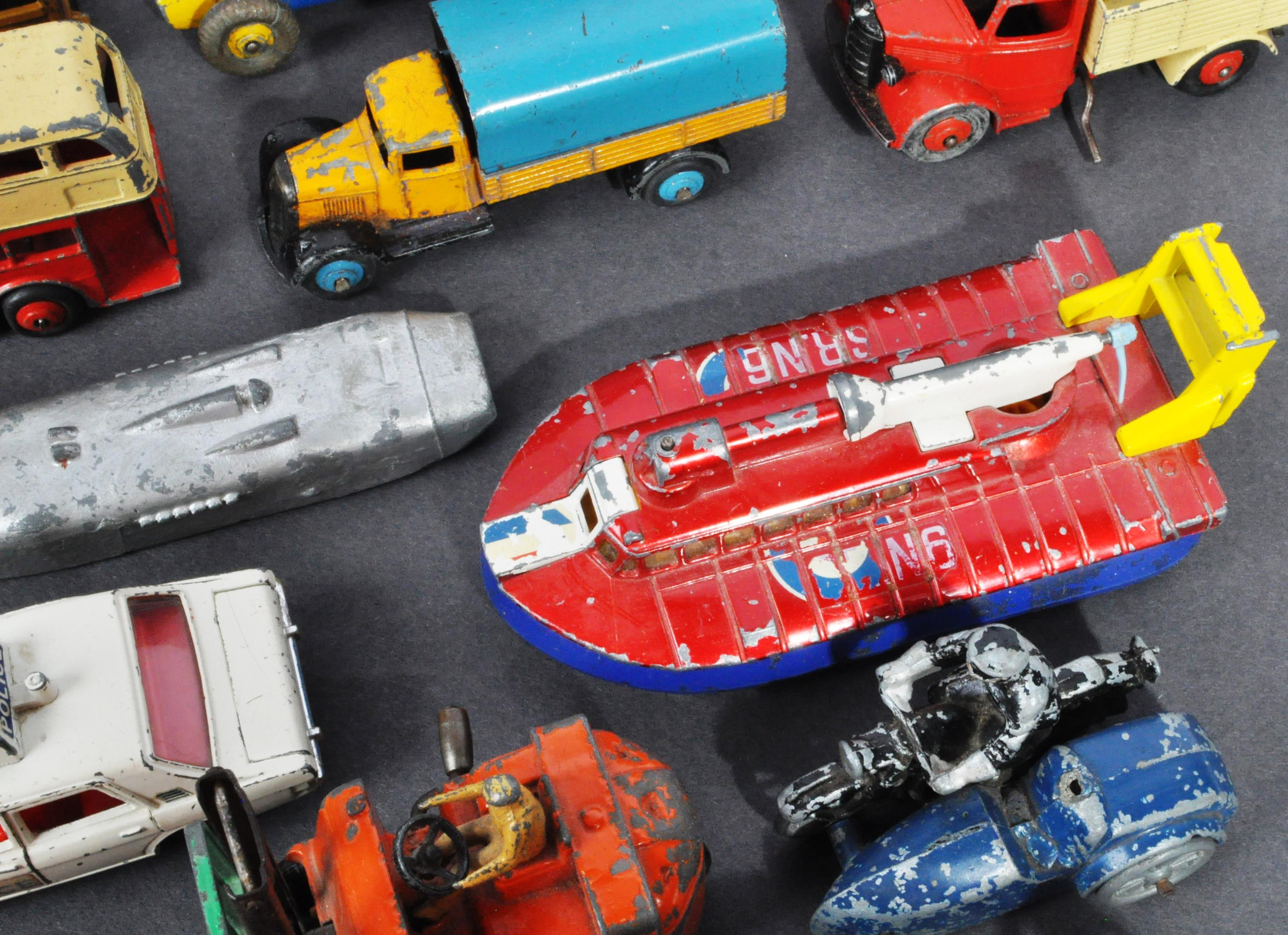 LARGE COLLECTION OF DINKY & OTHER DIECAST MODELS - Image 5 of 6