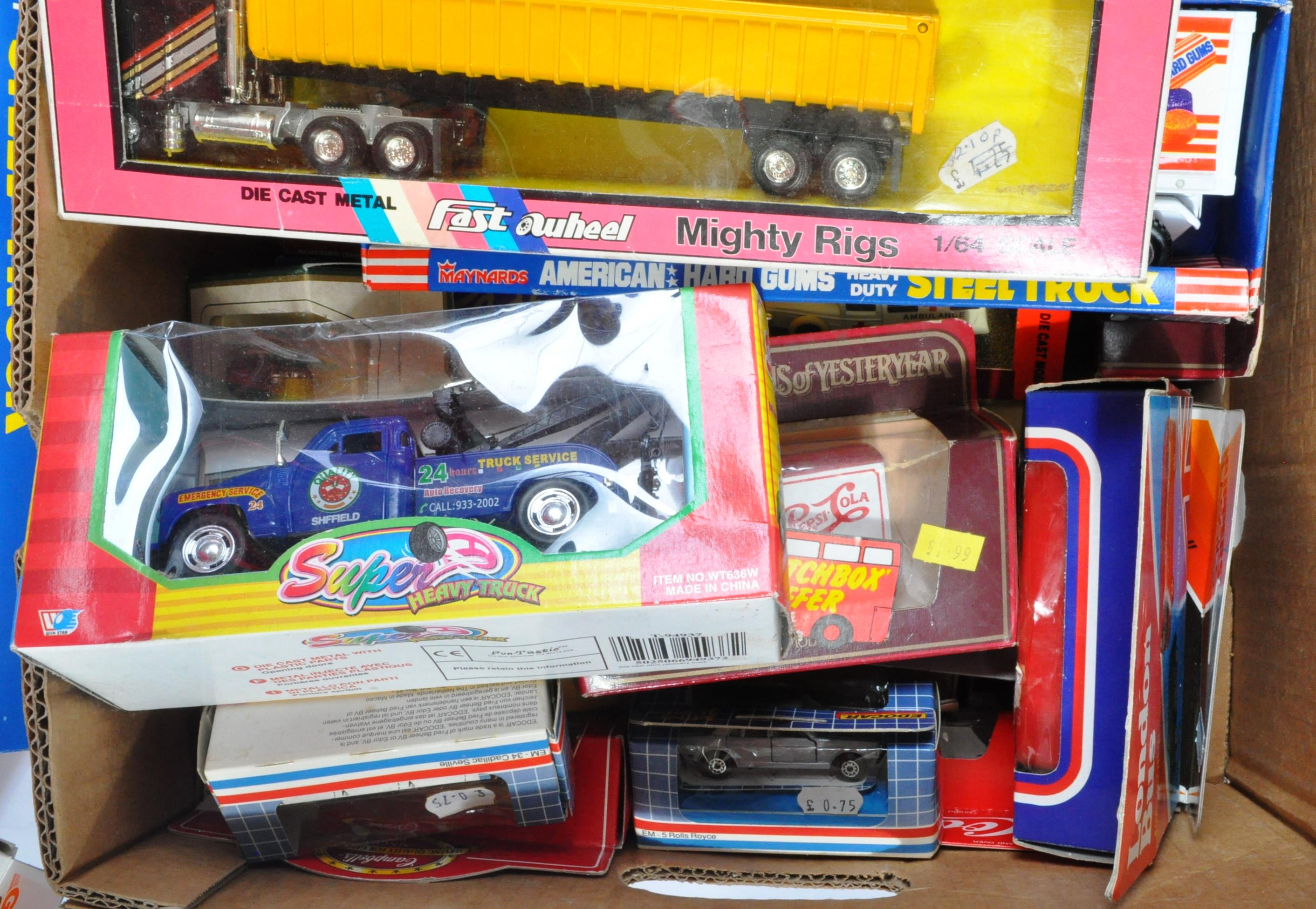LARGE COLLECTION OF ASSORTED BOXED DIECAST MODEL CARS - Image 6 of 7