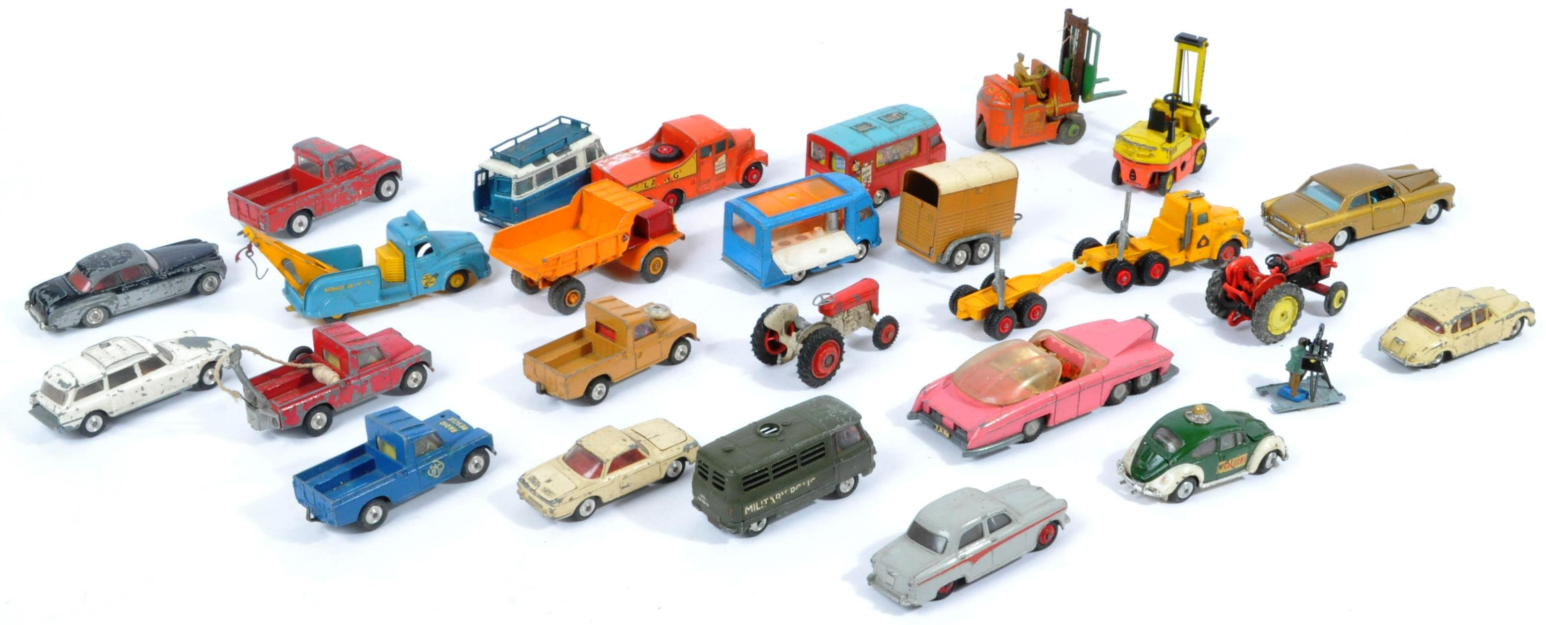 COLLECTION OF VINTAGE CORGI & DINKY TOYS DIECAST MODELS - Image 9 of 10