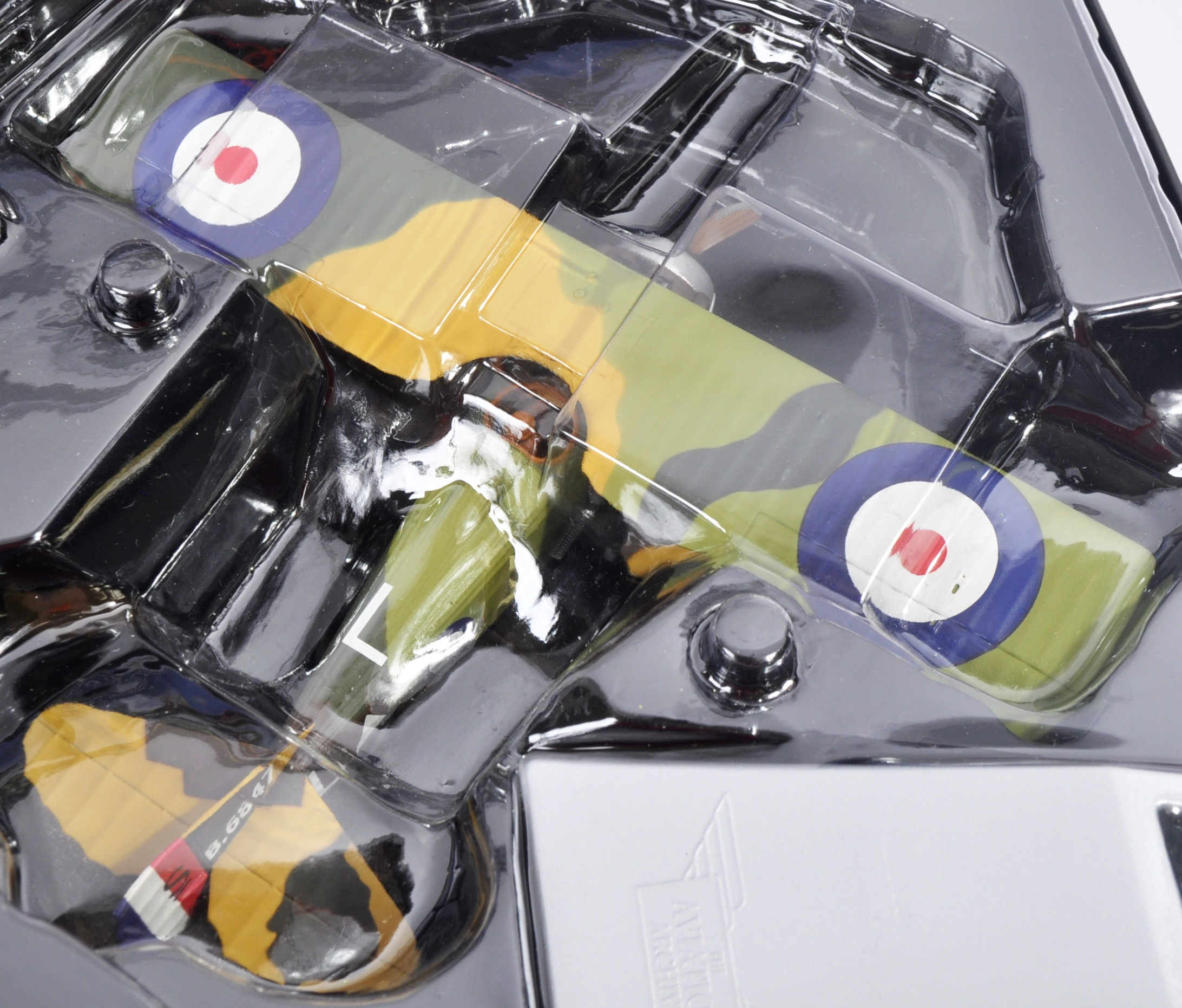 CORGI AVIATION ARCHIVE - TWO BOXED DIECAST MODELS - Image 3 of 6