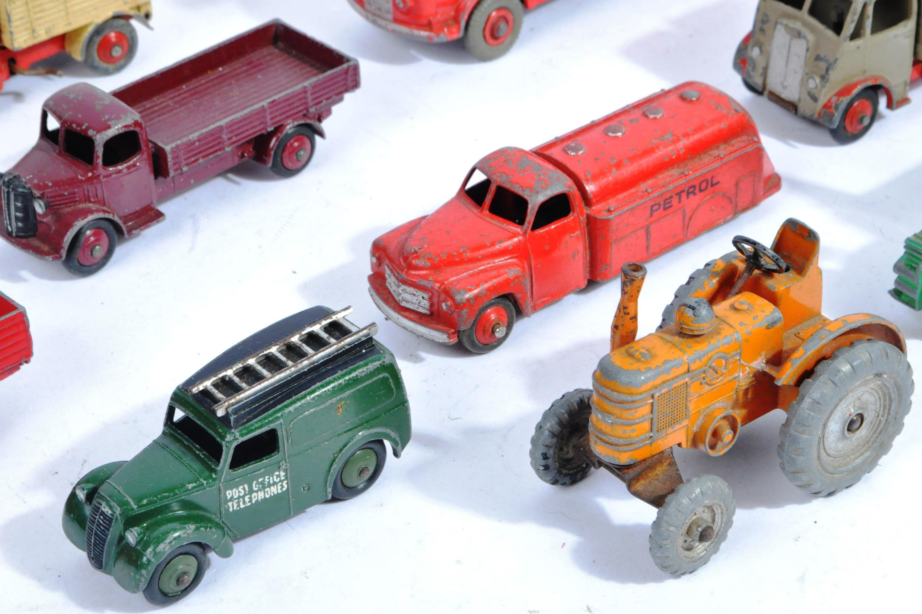 COLLECTION OF X10 VINTAGE DINKY TOYS DIECAST MODEL TRUCKS - Image 3 of 14