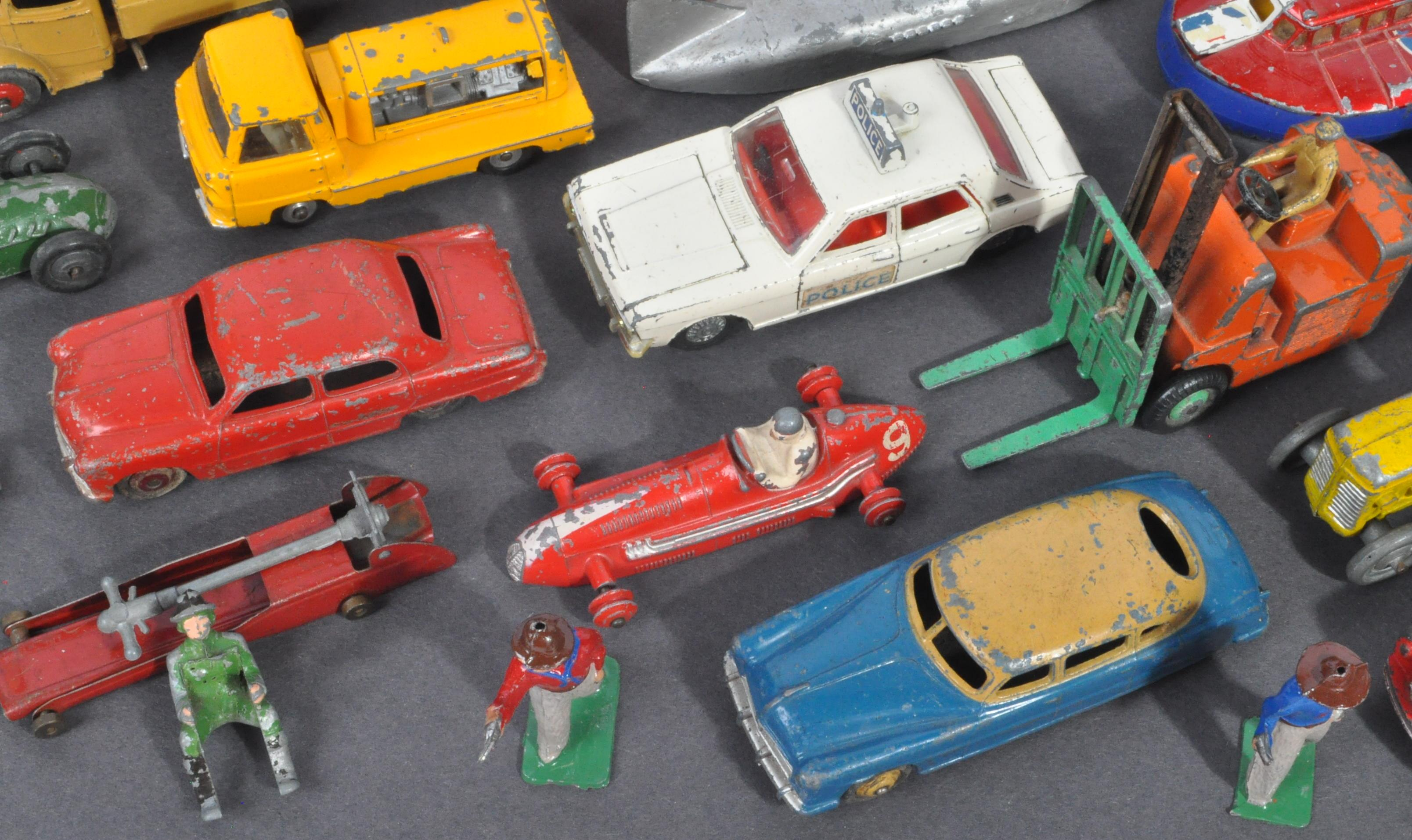 LARGE COLLECTION OF DINKY & OTHER DIECAST MODELS - Image 4 of 6