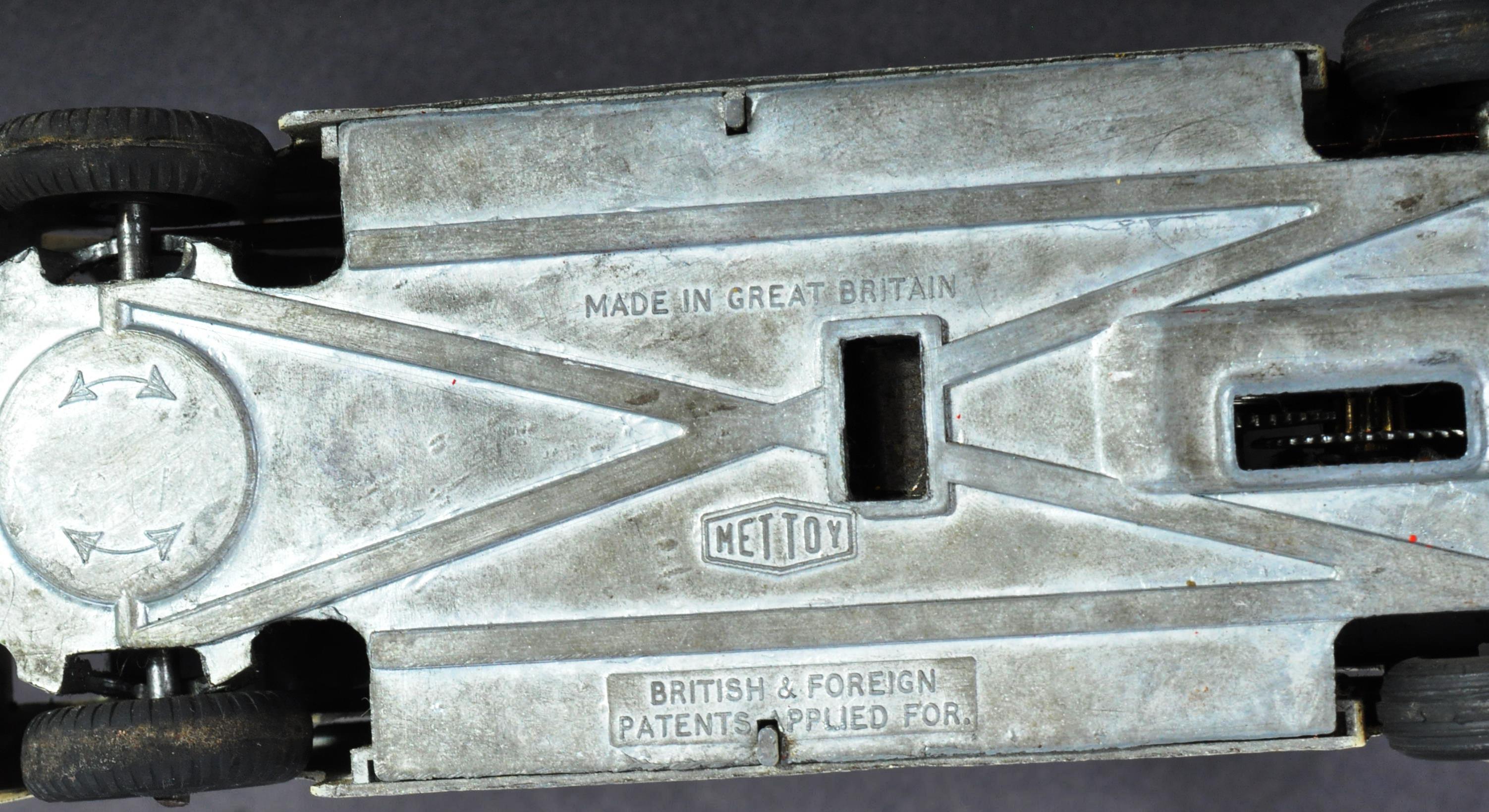VINTAGE METTOY CLOCKWORK METAL DIECAST MODEL BUS / COACH - Image 3 of 3