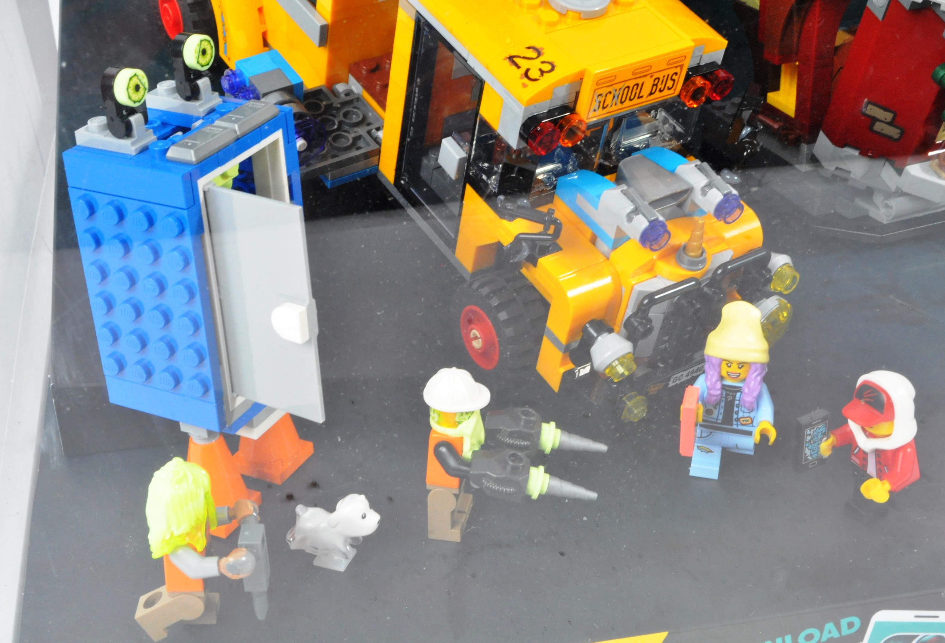 LEGO - HIDDEN SIDE - ORIGINAL IN STORE SHOP DISPLAY CABINET - Image 5 of 8