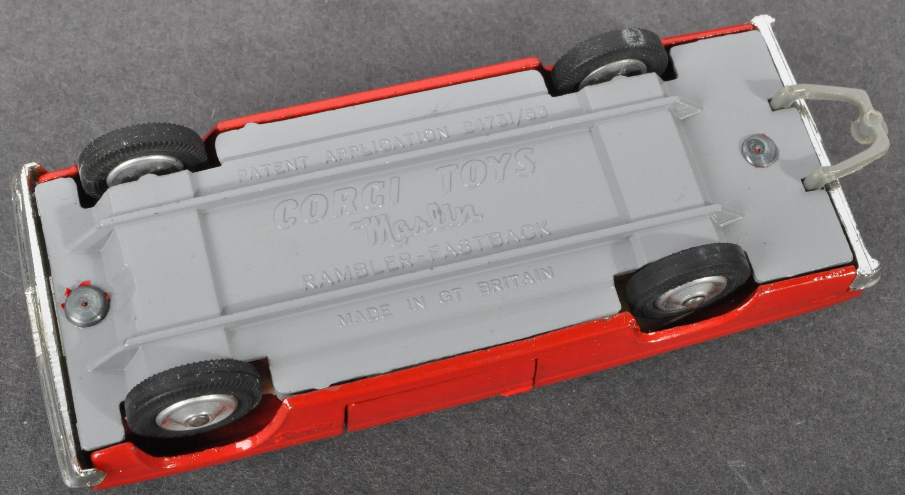 VINTAGE CORGI TOYS BOXED DIECAST MODEL MARLIN 263 - Image 4 of 4