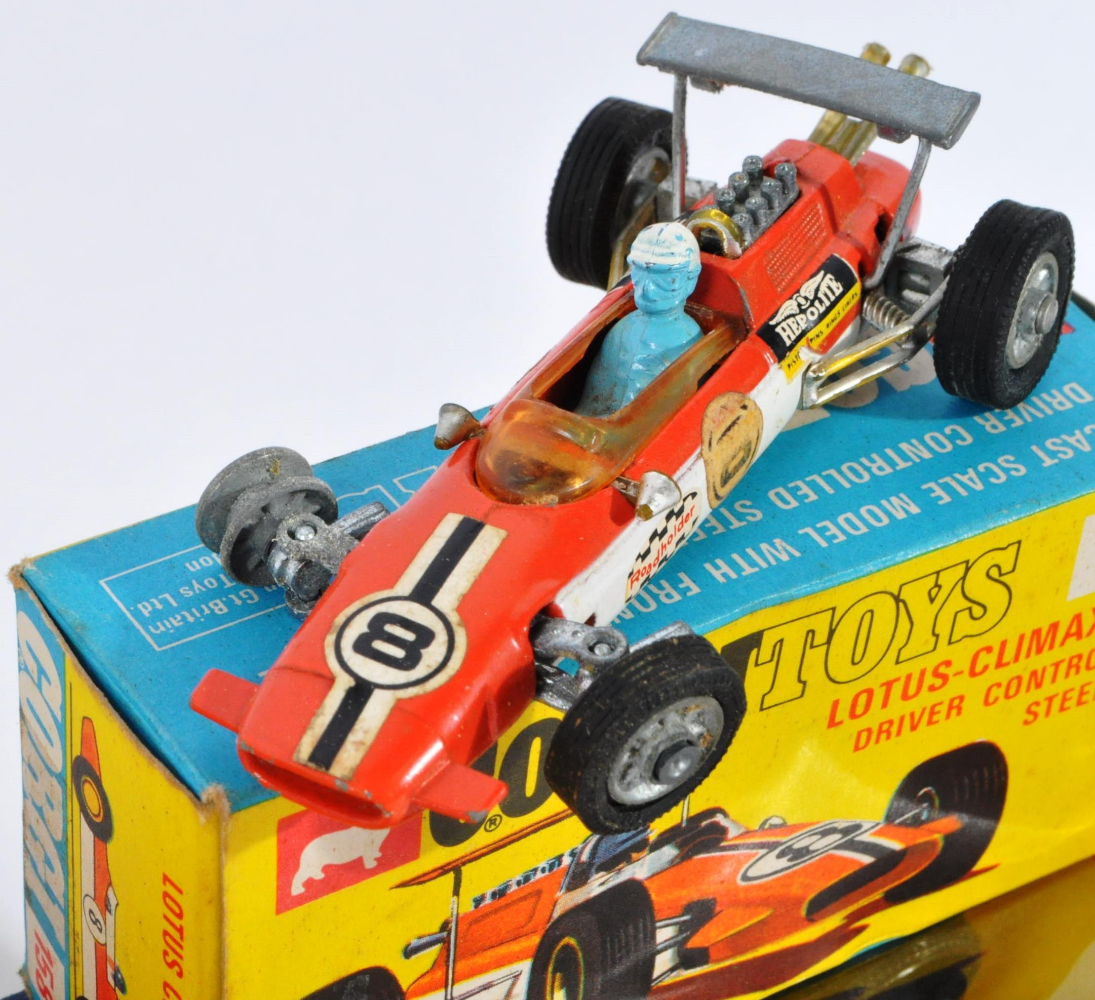 COLLECTION OF ASSORTED VINTAGE CORGI MADE DIECAST MODELS - Image 5 of 6