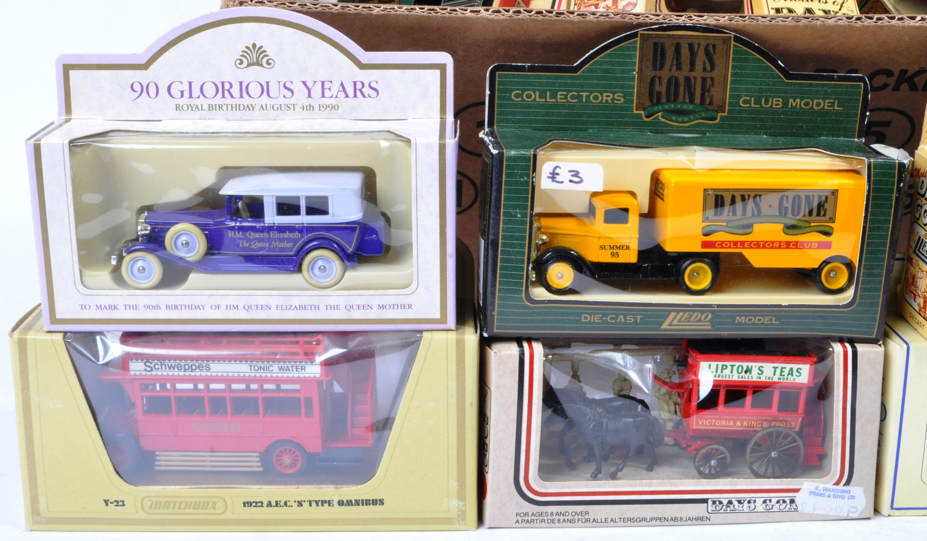 LARGE COLLECTION OF ASSORTED BOXED DIECAST - LLEDO, MATCHBOX - Image 2 of 4