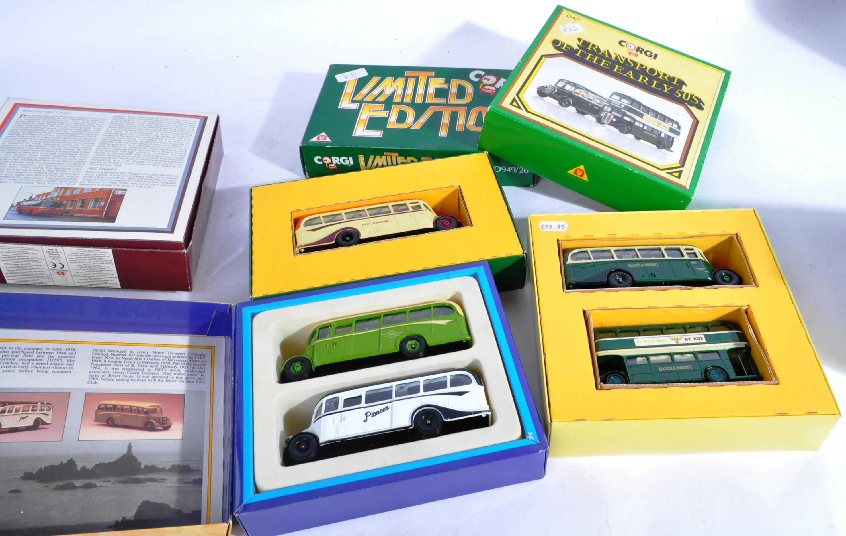 COLLECTION OF BOXED CORGI & EFE DIECAST MODEL BUSES - Image 7 of 7
