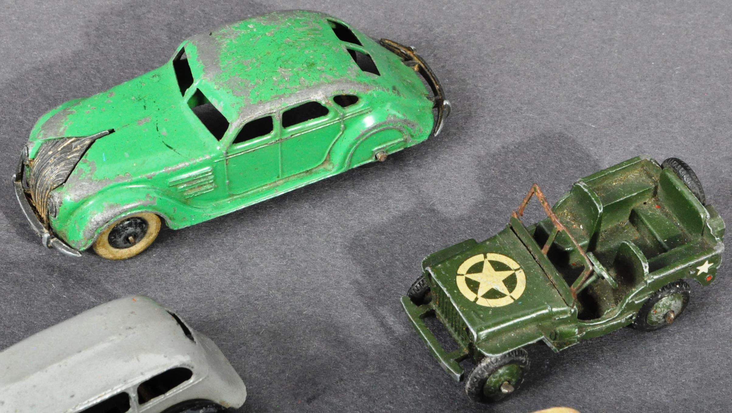 COLLECTION OF ORIGINAL VINTAGE DINKY TOYS DIECAST MODELS - Image 3 of 6