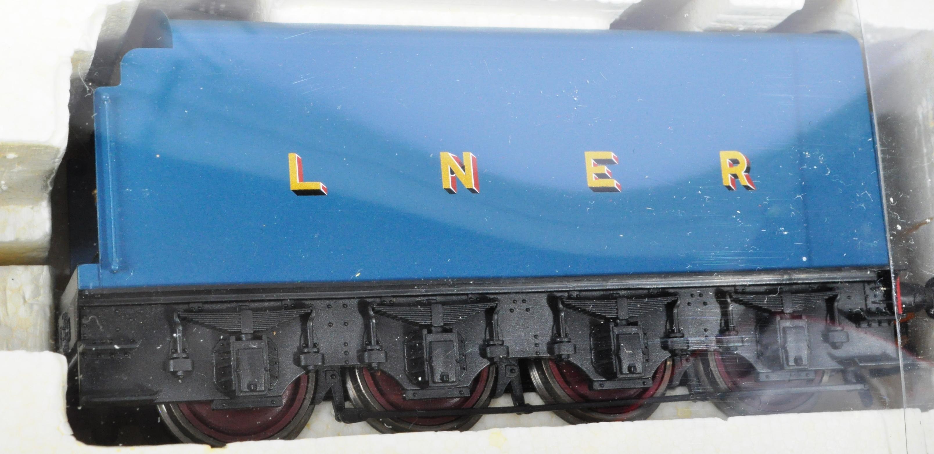 ORIGINAL HORNBY 00 GAUGE MODEL RAILWAY TRAINSET LOCOMOTIVE - Image 4 of 5